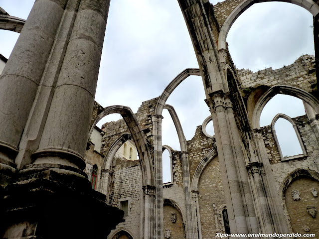 ruinas-del-carmo-lisboa.JPG
