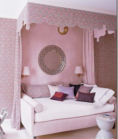 Girls-Bedroom-Decorating-Ideas-with-Stylish-Canopy-550x643
