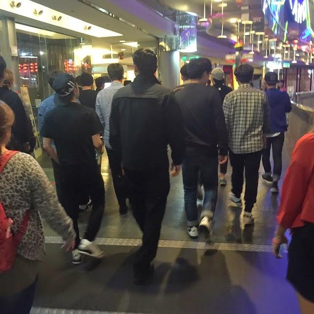 Dae Sung, G-Dragon & TOP - Restaurant Taiwan - 24oct2014 - 01.jpg