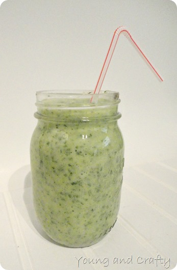 Pineapple kale banana smoothie 3