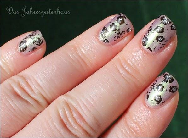 Flowers duochrom Nail Art 6