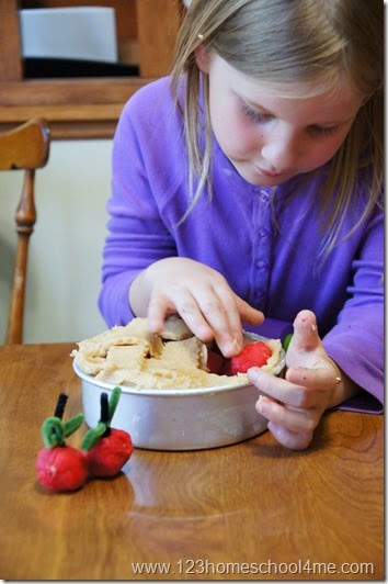 make a playdough apple pie for an awesome fall kids activities