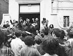 1967年红卫兵烧英使馆后驻英人员在伦敦念语录被殴