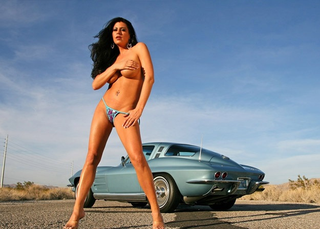 [hot_women_and_cars_3%255B7%255D.jpg]