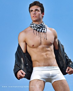 philip-fusco-reach-11
