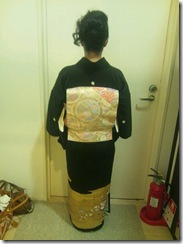 ガーデン黒留袖出張着付け (2)