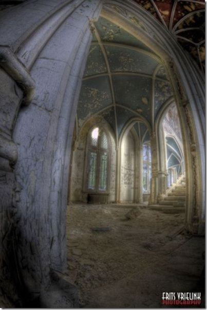 abandoned-castle-belguim-18