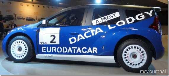 Dacia Lodgy MPV 10  - van opzij zijn de lijnen goed te zien