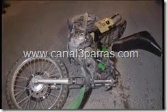 05 IMAGENES MOTOCICLETA SE IMPACTA CON VEHÍCULOBERNARDO REYES Y CARLOS B. MADERO.mp4_000046846