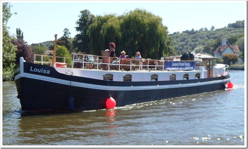SAM_1802 Hotel Boat Louisa
