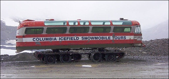 Columbia_Icefield_Snow_Coach_01