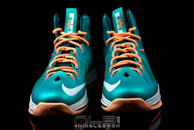 lebron10 dolphins 34 web black The Showcase: Nike LeBron X Setting / Miami Dolphins