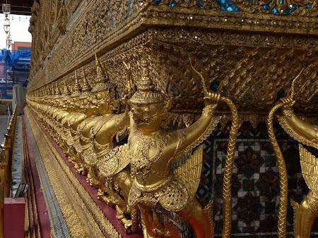 Obiective turistice Thailanda: statui aurite Bangkok