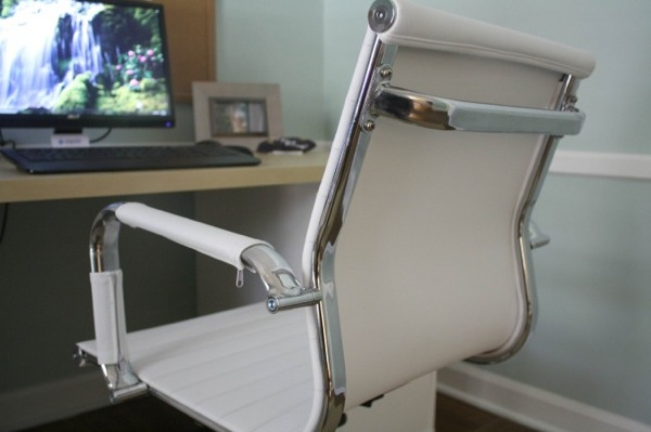 Chair3 650x433