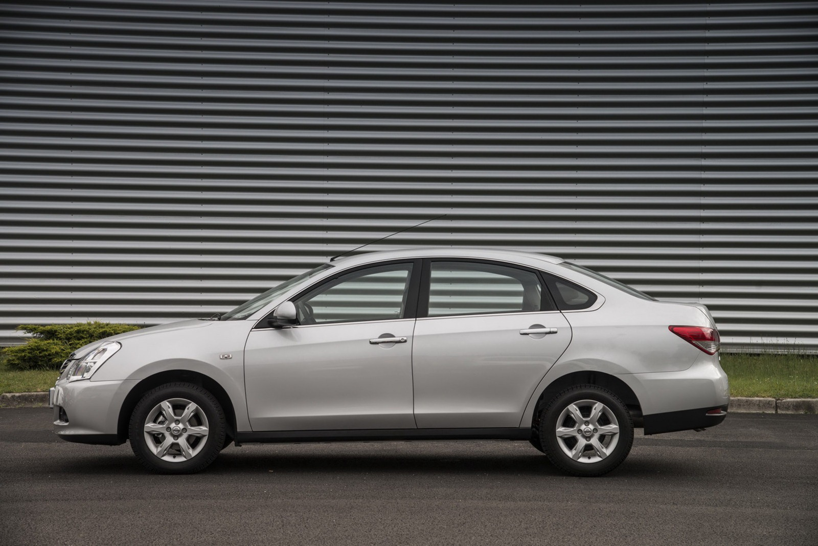 Thread: New Nissan Almera compact sedan unveiled for Russia