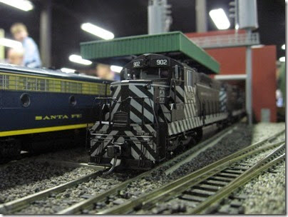 IMG_5384 Atchison, Topeka & Santa Fe SD24 #902 on the LK&R HO-Scale Layout at the WGH Show in Portland, OR on February 17, 2007