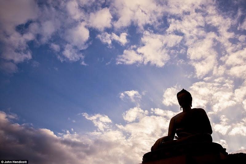 Phóng sự - phóng sự ảnh - Phật giáo thế giới - Người Áo Lam - 010