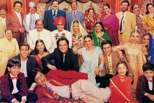 The entire cast of HUM SAATH SAATH HAINHum Saath Saath Hain Cast