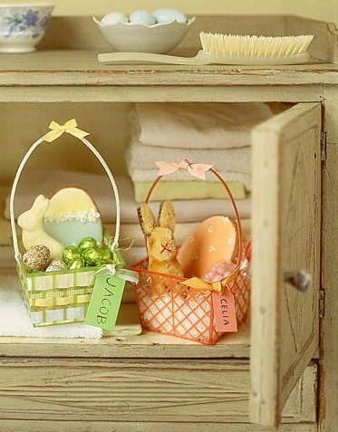 Sometimes the simplest containers make delightful Easter baskets. These are made from berry containers. (Martha Stewart Living, April 2000)