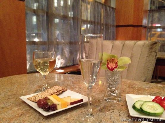Hotel Giraffe Wines
