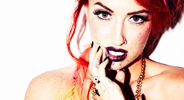 Neon-Hitch