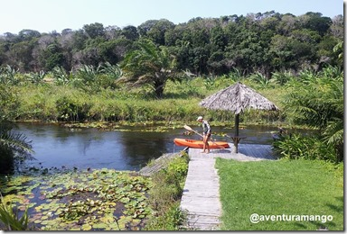 Preparando os caiaques no Rio Catu