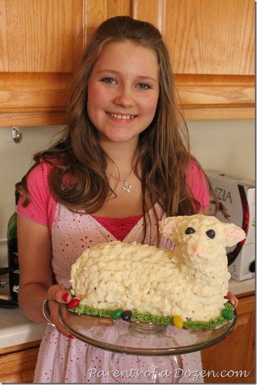 IMG_2323 Rachelle and Lamb cake