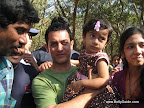 Reader Abhijit and his daughter Jui met Aamir Khan at IIM (Indian Institute of Management) Bangalore.
