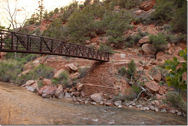 05-02-13 A Ride with a Range thru Zion Canyon 048