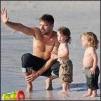 Ricky Martin e filhos 02
