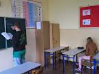 Uczeń zapisuje na tablicy potrzebne w czasie zajęć słownictwo