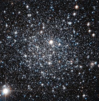 aglomerado globular IC 4499