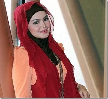 test<br /><br />KUALA LUMPUR 13 MEI 2013 : Siti Nurhaliza memberi pose istimewa selepas Majlis pelancaran single terbaru Datuk Siti Nurhaliza yang bertajuk GALAU di Menara Kuala Lumpur disini hari ini.<br /><br />GAMBAR : NOOR AZLINA JAAFAR <br />PEMBERITA : KHAIRUL / UTUSAN<br />                    IZRINDA / KOSMO