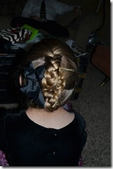 Hairdo-smelly pie 015