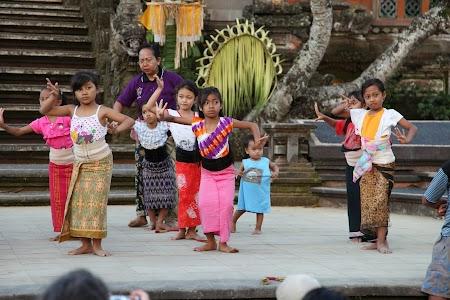 07. Legong - Bali.JPG