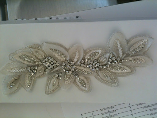 Headpieces are all the rage right now. This one, from Untamed Petals, was a favorite.