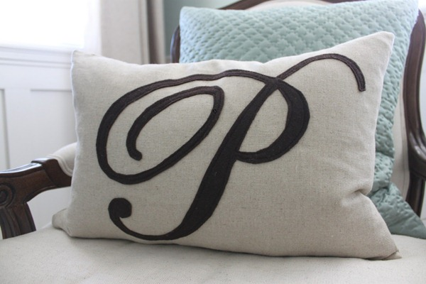 felt monogram pillow tutorial