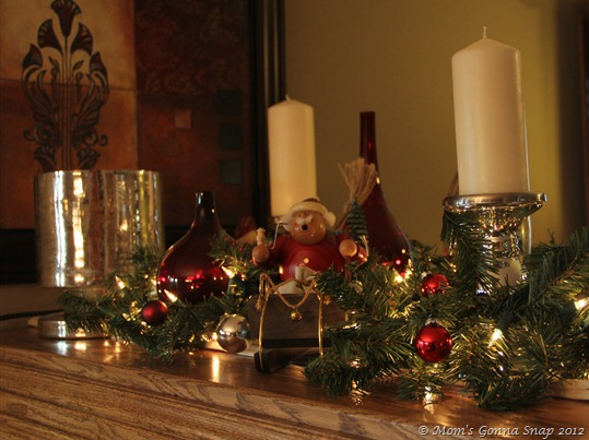 Christmas Mantel  (1)
