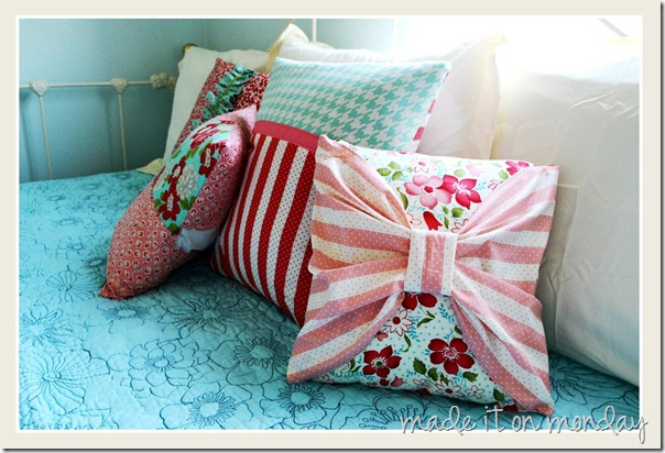 coordinated throw pillows 3