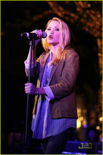 emily%25252520osment%25252520red%25252520kettle%2525252008 Emily Osment performing Teen Rock Bands Join Forces With The Salvation Army ...