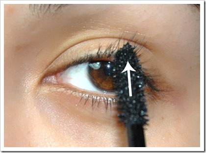How to Apply Fiber Mascara