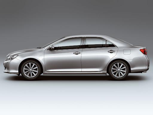 2012-Toyota-Camry-02.jpg