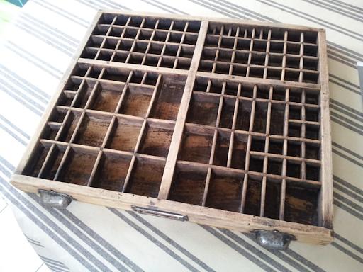 petit chat des bois casier d 39 imprimerie. Black Bedroom Furniture Sets. Home Design Ideas