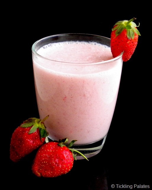 Coconut Strawberry Smoothie-1