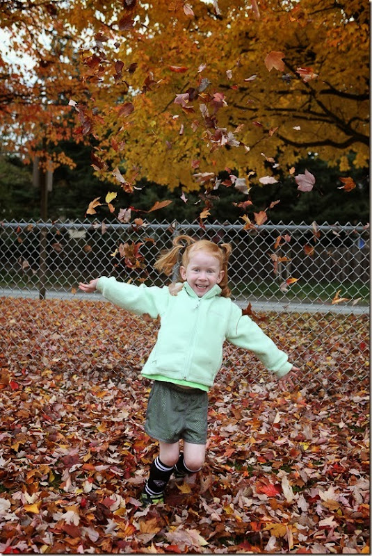 Sara throwing leaves (8)-small