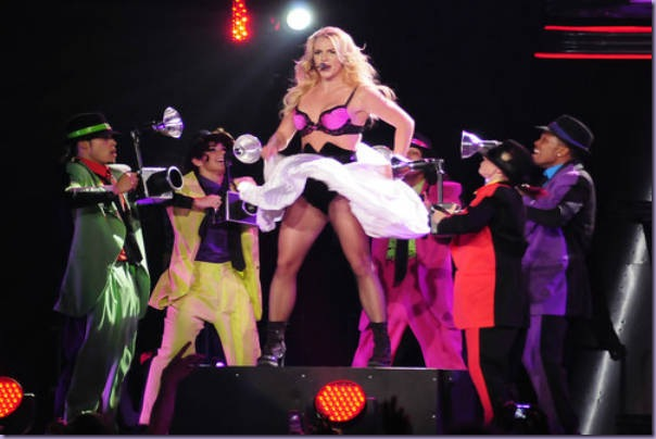 Britney-Spears-Femme-Fatale-Tour-If-You-Seek-Amy-Top-Rosa