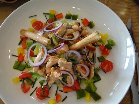 05. Salata Cezar.JPG