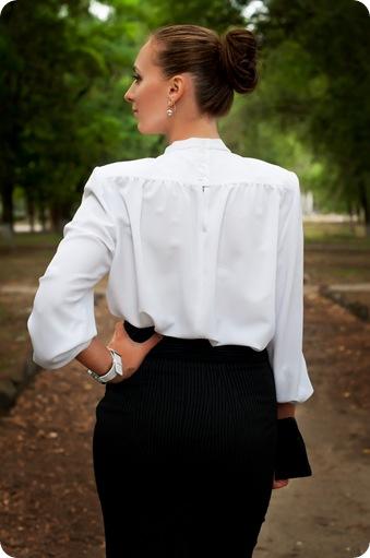Прекрасно сохранившаяся белая блуза