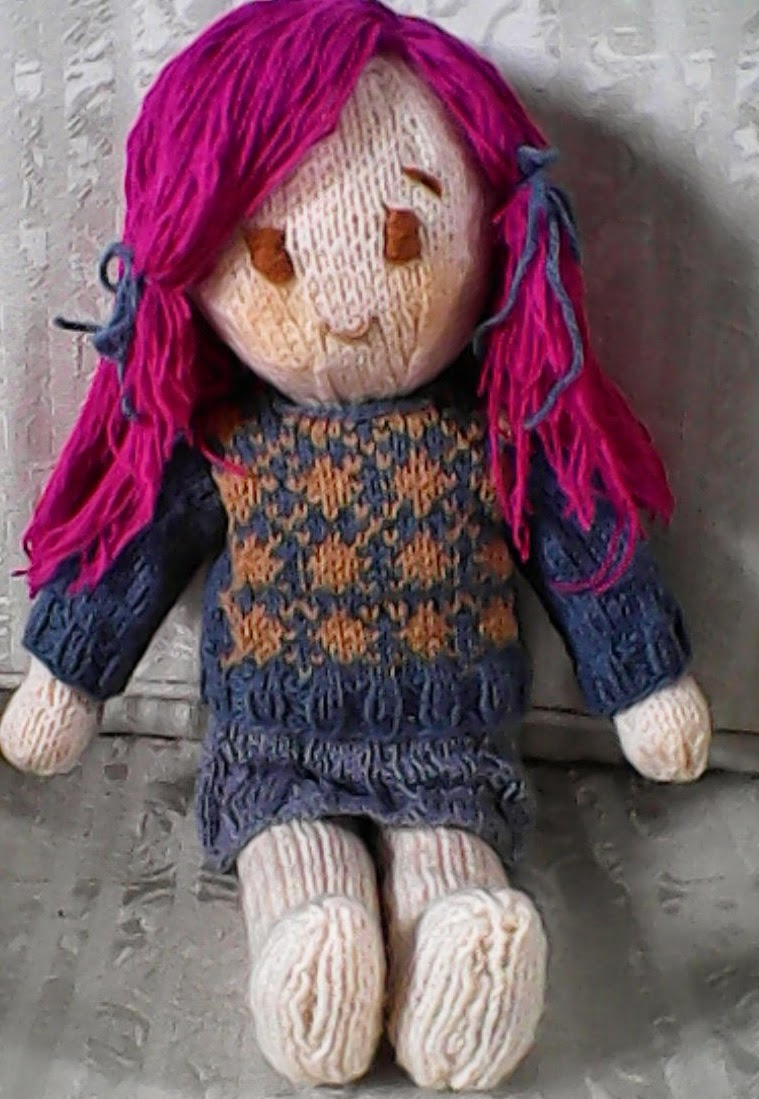 Free knitting pattern: Emiko doll | Holy\'s stuff