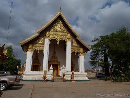 9. Pha That Luang.JPG